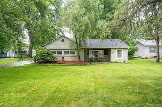 5447 Mansfield Ave, Sterling Heights, MI 48310