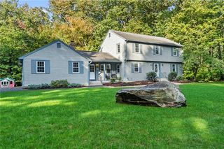 305 Spring Valley Dr, East Greenwich, RI 02818