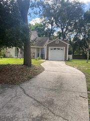 9414 Forest Hills Cir, Tampa, FL 33612