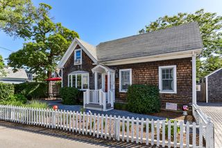 3 Conwell St, Provincetown, MA 02657