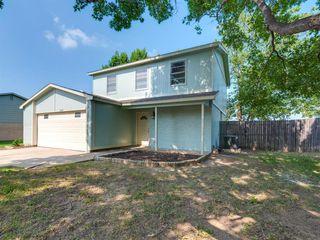 7009 Green Ridge Trl, North Richland Hills, TX 76182