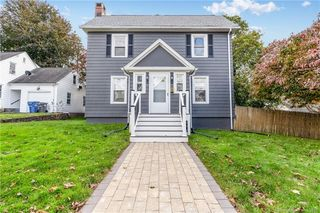 148 Pearl St, Manchester, CT 06040
