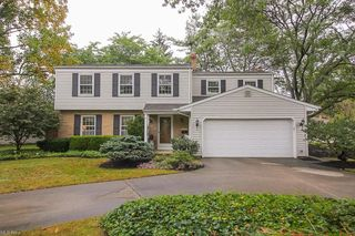 6429 Stafford Dr, North Olmsted, OH 44070