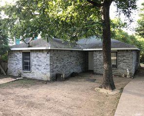 1015 W Clarendon Dr, Dallas, TX 75208