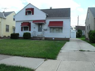 16006 Maplewood Ave, Maple Heights, OH 44137