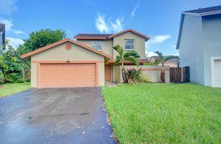 9771 SW 14th St, Pembroke Pines, FL 33025