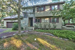 296 Forest Dr, Canadensis, PA 18325