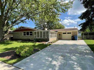 1219 Graham Ave, Oshkosh, WI 54902