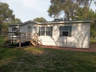106 E River St, Brady, NE 69123