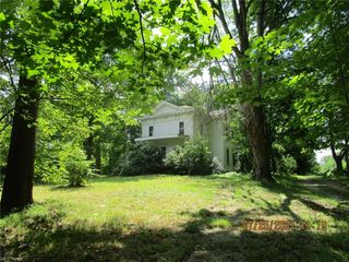 910 Brownville Rd, Rome, OH 44085