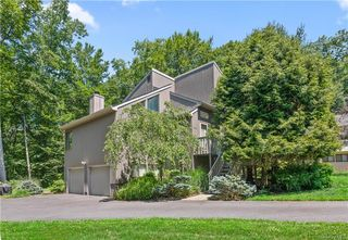 138 Mitchell Rd, Somers, NY 10589