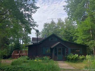 535 N Lake Enchantment Trl, Marquette, MI 49855
