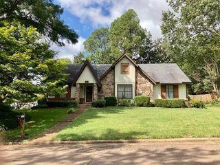 2311 E Lake Oaks Dr, Bartlett, TN 38134