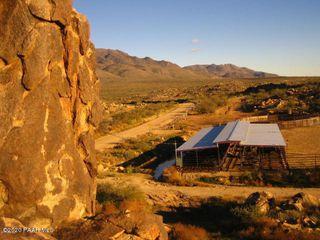 22310 S Date Creek Rd, Congress, AZ 85332