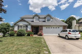 1405 Willshire Dr, Greenwood, IN 46143