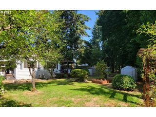 33838 E River Dr #94, Creswell, OR 97426