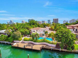 122 Bal Bay Dr, Miami Beach, FL 33154
