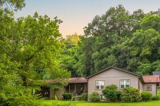 4833 Eatons Creek Rd, Nashville, TN 37218