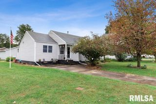 169 S Division St, Woodhull, IL 61490