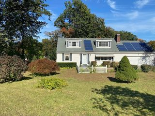 344 Forest Hills Rd, Springfield, MA 01128