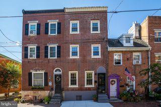 132 Manton St, Philadelphia, PA 19147