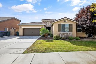 2835 W Stewart Ave, Visalia, CA 93291