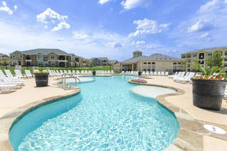 5525 Mansions Blfs, San Antonio, TX 78245