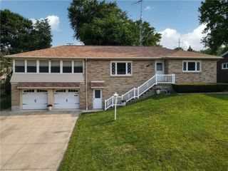 1310 Dunkeith Dr NW, Canton, OH 44708