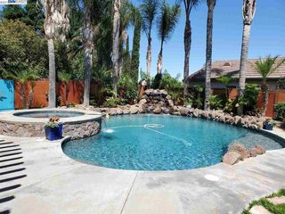 133 Ridgeview Dr, Tracy, CA 95377