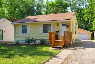 1424 Oak Park Ave, Des Moines, IA 50313
