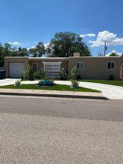 3325 Cagua Dr NE, Albuquerque, NM 87110