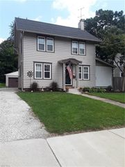1031 Emma Ave, Akron, OH 44302