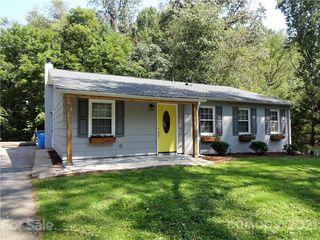 36 Tipperary Dr, Asheville, NC 28806