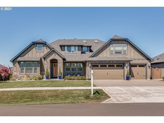5702 NW 149th St, Vancouver, WA 98685