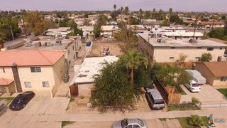 711 711 1/2 2nd Rd, Calexico, CA 92231