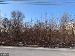 Loucks Mill Rd, York, PA 17403