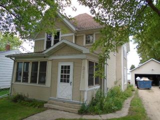 211 W Maple St, Ringsted, IA 50578