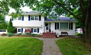 60 Dundee Cir, Middletown, NY 10941
