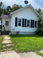 363 Campbell St, Rochester, NY 14611