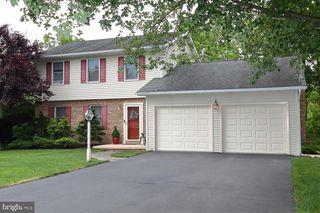 3136 Woodridge Dr, Landisville, PA 17538