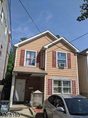 364 Bergen St, Newark, NJ 07103