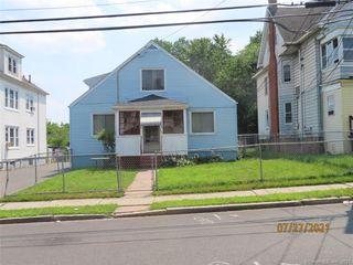 125 Barker St, Hartford, CT 06114