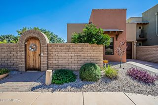 170 E Castlefield Cir, Tucson, AZ 85704