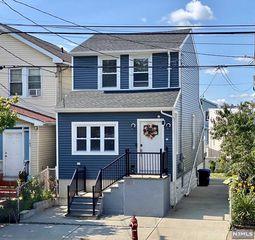167 Maple St, Kearny, NJ 07032