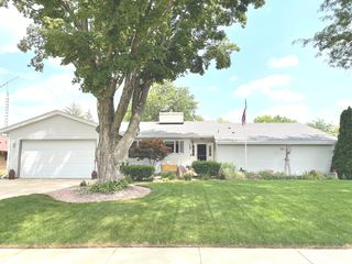 356 Andrews Dr, Belvidere, IL 61008