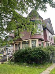 618 Mount Vernon St, Oshkosh, WI 54901