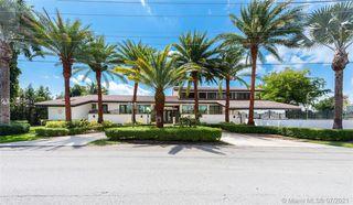 6820 N Augusta Dr, Hialeah, FL 33015