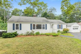 86 Maple Ave, Leominster, MA 01453