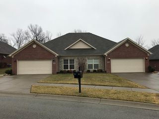 108 Twin Springs Ct, Shelbyville, KY 40065