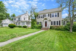 193 Strawberry Hill Ave, Stamford, CT 06902